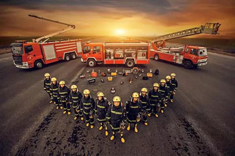 <b>首次消防员招录报名结束:全国近13万人报考......</b>